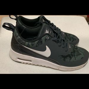 Nike Airmax Thea Youth Sneakers 4Y